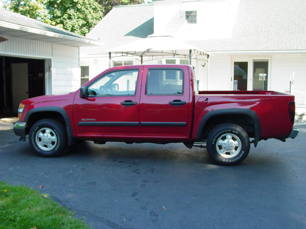 Multi-Estate Auction, 2004 Chevrolet Colorado LS crew cab short bed pickup